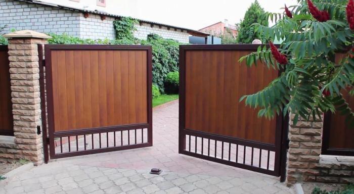 Как сделать металлические ворота своими руками?