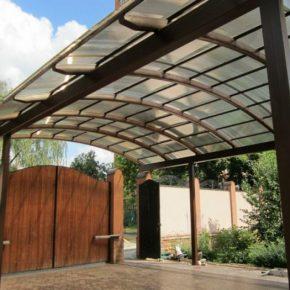 Современные навесы из поликарбоната для частного дома – 140 фото простых, стильных и эффективных навесов во двое и в саду