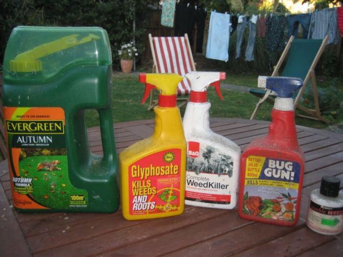 Химикаты от сорняков на участке
