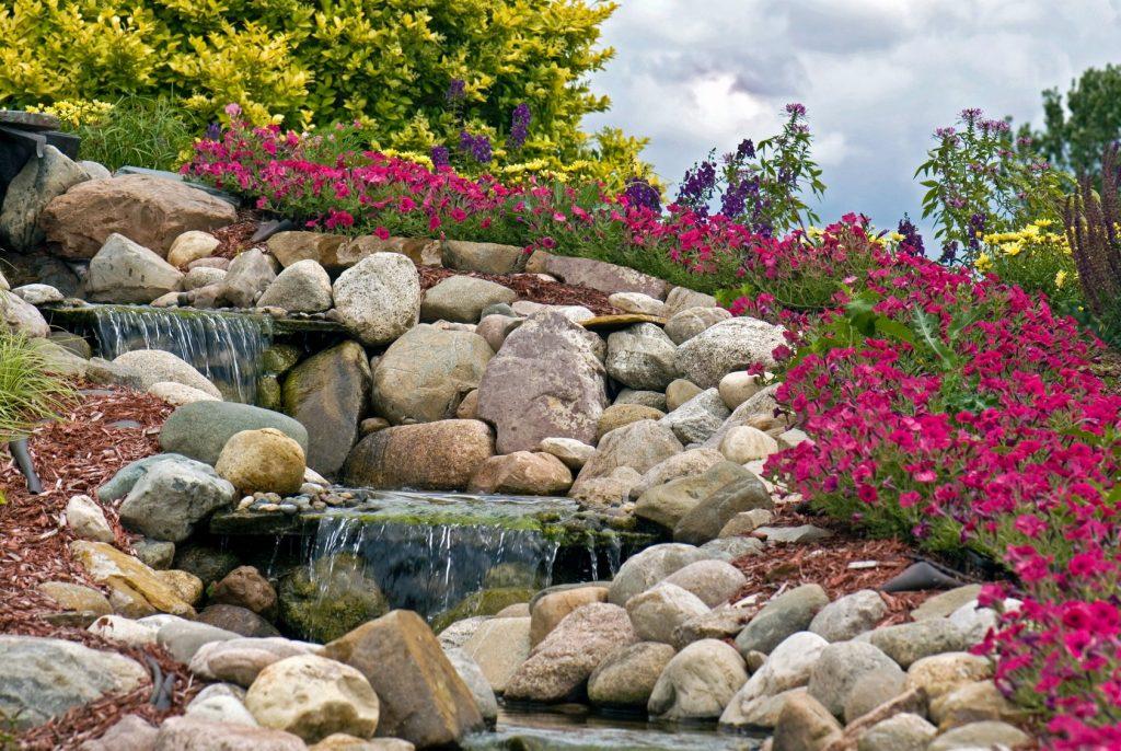 камни в дизайне сада фото первичные ценностные
