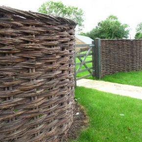 Плетеный забор из лозы – как сделать, установить и украсить забор из плетеной лозы. Мастер-класс изготовления (125 фото)