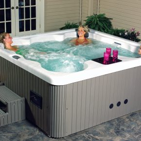 Как выбрать бассейн спа для дачи?